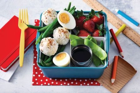 avocado-and-sesame-rice-ball-bento-box-133662-1